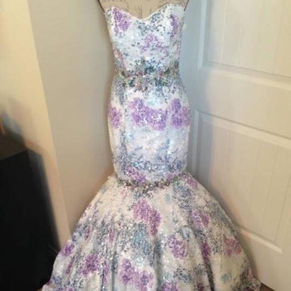 Tiffany Designs Dresses & Skirts - Tiffany Gown